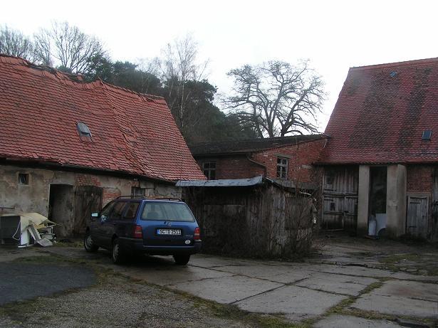 Bauernhof renovieren bad mit rustikalem waschtisch aus for Schuppen renovieren